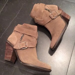 Dolce Vita brown suede ankle booties size 7